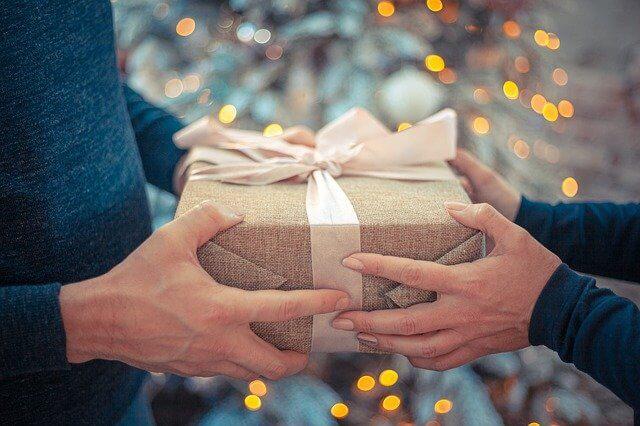 手渡しのプレゼント