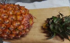 台湾パイナップル食べ方1