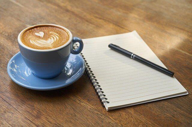 コーヒーとノートブック