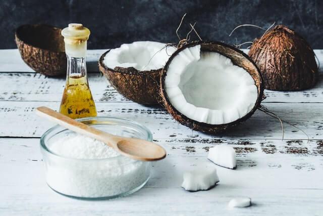 ココナッツオイル食べる以外