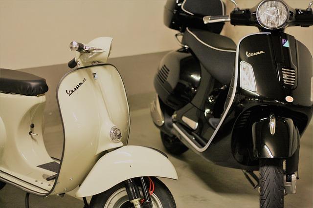 古いバイクと新しいバイク