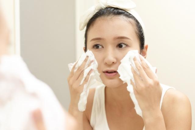 泡洗顔 女性